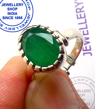 Natural Emerald Gemstone Ring Designs in Silver