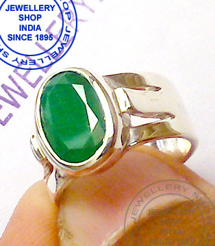 Panna Gemstone Ring Designs in Silver for Gents