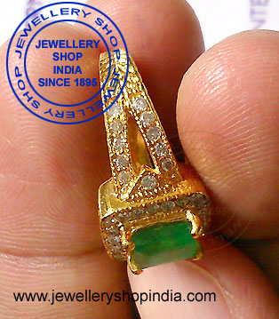 Emerald Diamond Ring Designs for Wedding